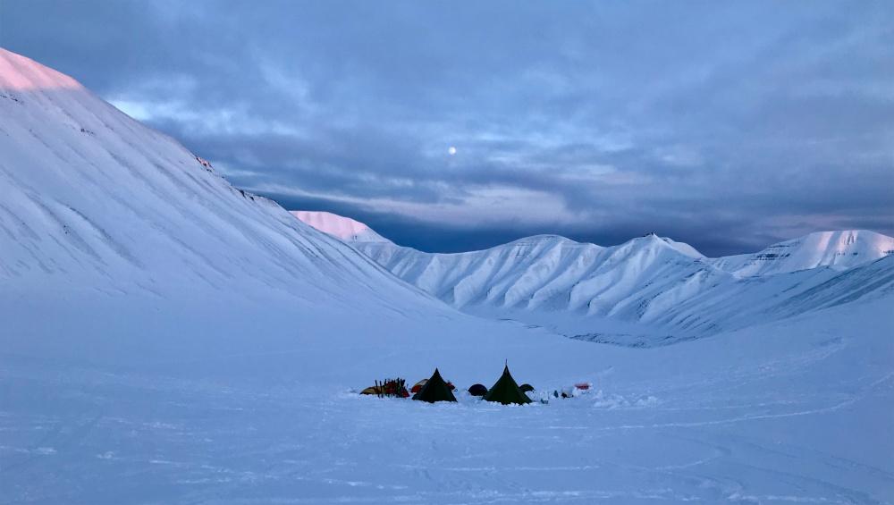 Einfach mal die Stille Spitzbergens genießen, eine gute Gelegenheit bei der Eisbärenwache