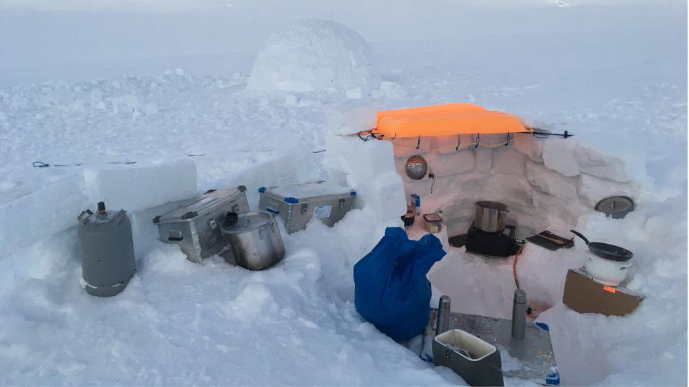 So sieht unsere Küche im Snow Kite Camp aus