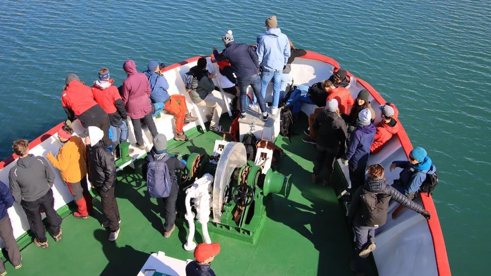 Vorderdeck der Polargirl im Isfjord