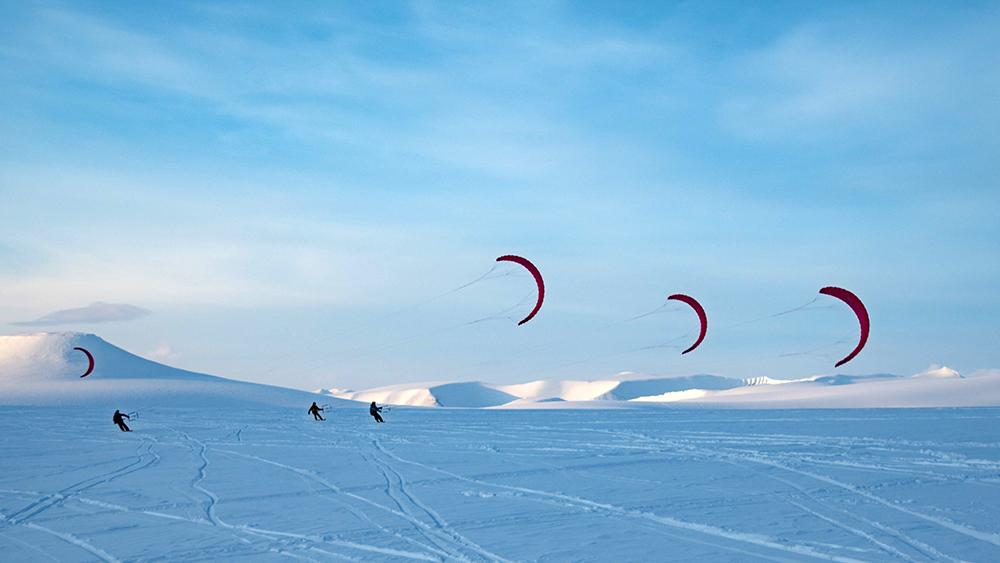 Schneekiten auf Spitzbergen