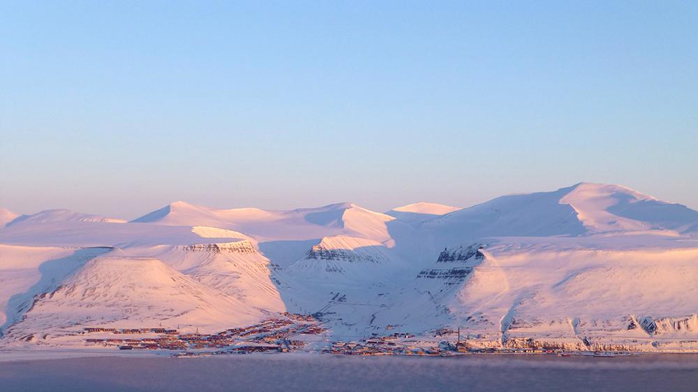 Longyearbyen von Hiorthamn