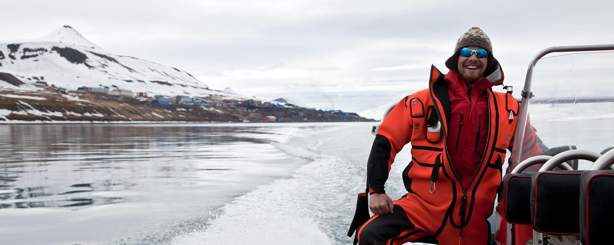Polarcircle Boot in Spitzbergen auf dem Isfjord