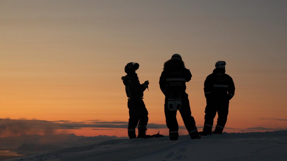 Spitzbergen Reisen Team auf einem Gipfel